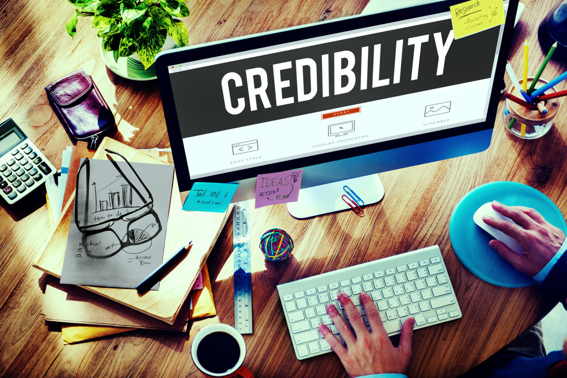The NUMBER ONE Way to Build Business Credibility - Lisa Larter