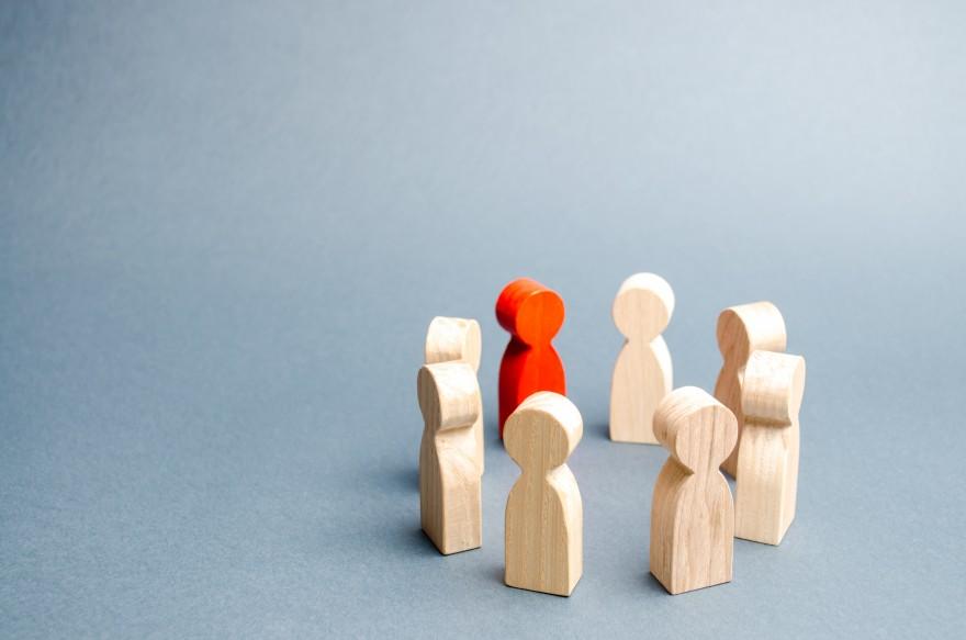 Don't trash this task - relationship by Lisa Larter